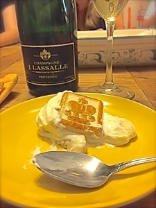 Champagne & Banana Pudding with Chessmen Butter Cookies